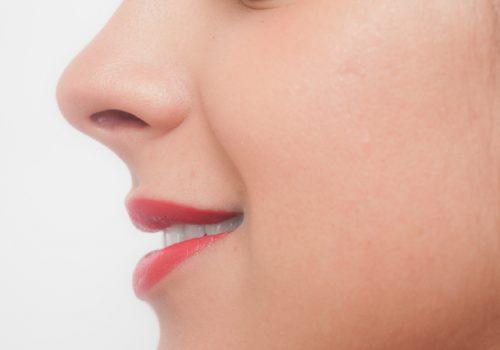 丸鼻のメイク