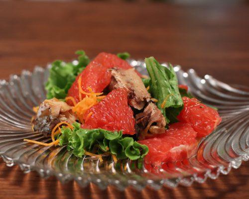ピンクグレープルーツ&焼きサバの美肌サラダ